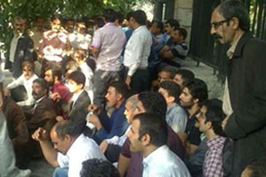 Iran: Dervishes protest continue, 800 arrested