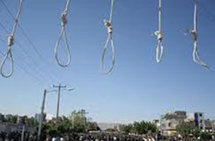 Iran: 17 prisoners executed in one day, 5 in public