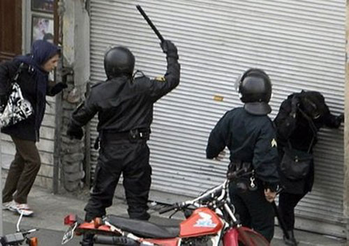 http://www.ncr-iran.org/en/images/stories/2009/uprising/tehran-dec272009-19-beating.jpg