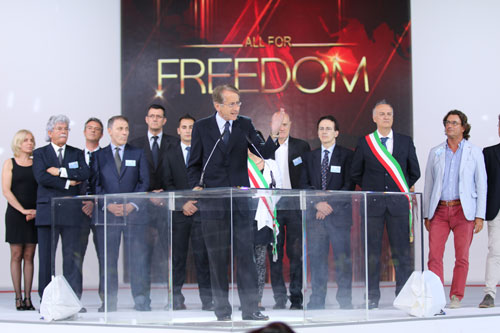 Italian delegation at Iranian opposition gathering 2014