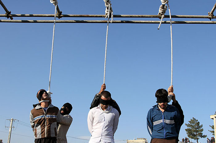 Hanging Pictures iran (graphic photos): three men hanged in public in northeastern