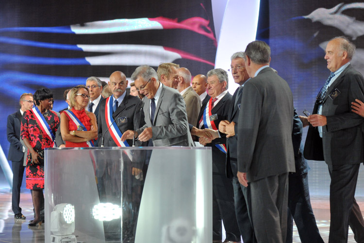 French elected officials address Iran Freedom rally