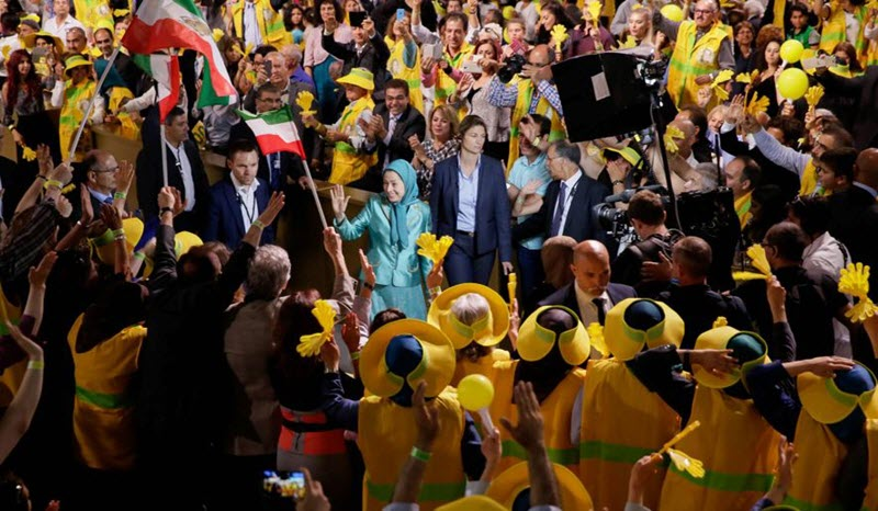 Iranian regime's fear of PMOI/MEK -Free Iran Grand Gathering in Paris