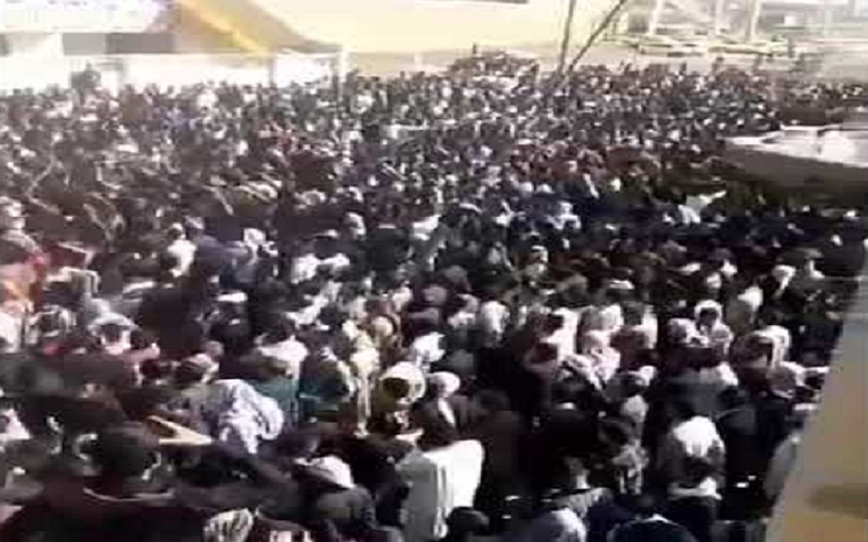 November 10 and 11, the residents of Ahvaz, Shadegan and Kut-e Abdollah (southwestern Khuzestan Province), poured onto the streets to protest against the suspicious murder of an Ahvazi poet, Hassan Heidari