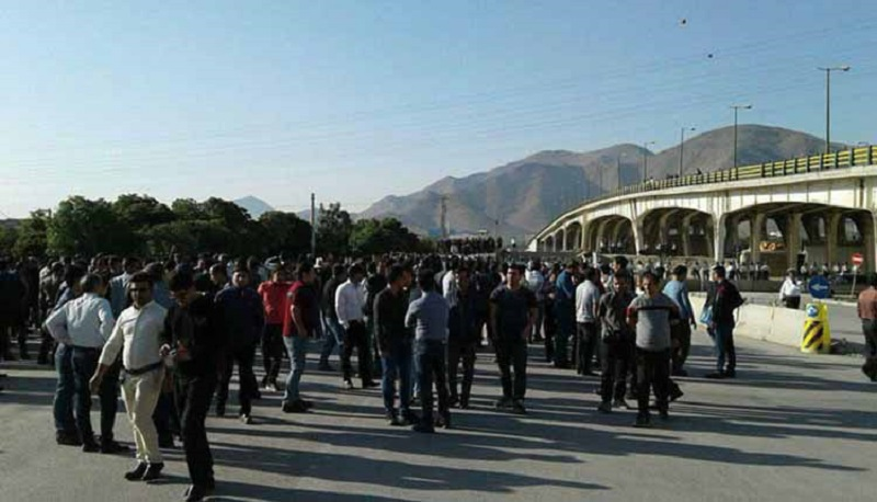 On October 8, 2019, for the third consecutive day, the protest gathering of Azarab's workers continued. On Sunday October 6, 2019, workers of Azarab Company had organized a gathering on the Tehran-Arak highway to protest the sale of the company and to demand their unpaid wages. They closed the main square at the city's entrance.