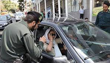 "Iran: Police stops women for ""not being properly dressed"""
