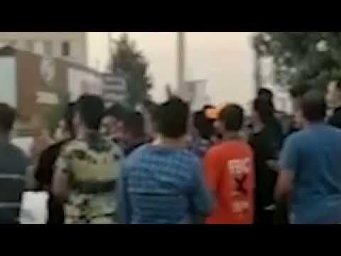 تظاهرات مردم اسلامشهر در اعتراض به قطع شدن ۸ساعتهٔ برق با شعار مرگ بر دیکتاتور