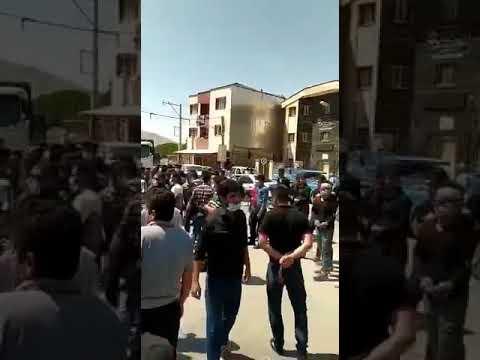 اعتراض مردم به بازداشت حبیب فدایی با شعار برادر زندانی آزاد باید گردد