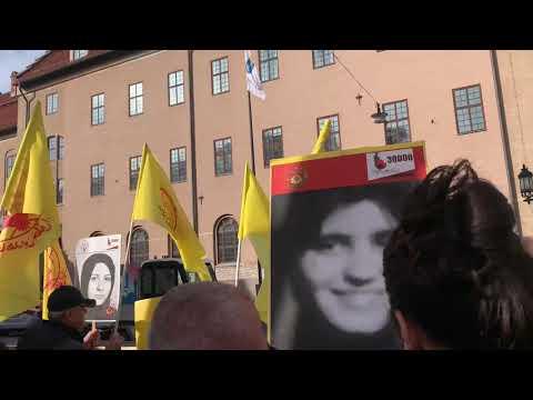 تظاهرات ایرانیان آزاده و هواداران مجاهدین در استهکلم سوئد، همزمان با دادگاه دژخیم حمید نوری