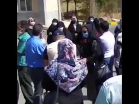 تجمع جمعی از مردم مشهد دراعتراض به گرانی دارو