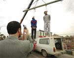 Iran: Two men hanged in public in southern Iran