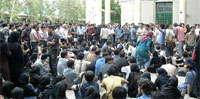Iran: Thousands of Azeri speaking people go to Tehran to protest