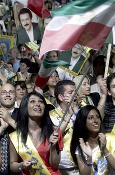 Iran: 30000 Iranians in Paris declare support for democratic change in Iran with Maryam Rajavi