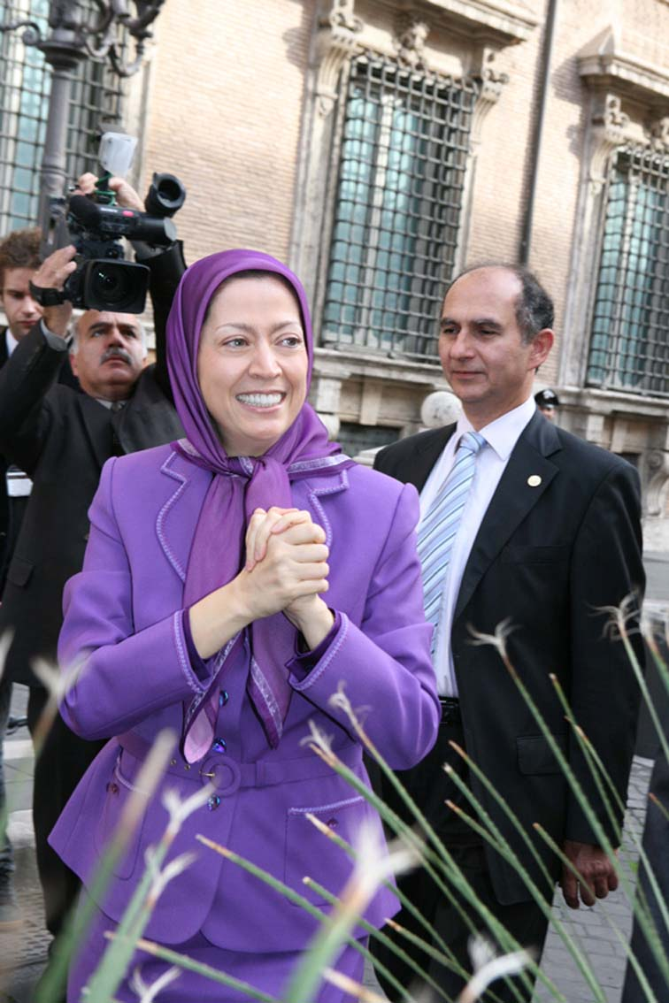 Iran: Mullahs' regime campaign of Blackmail and threats of Italian government