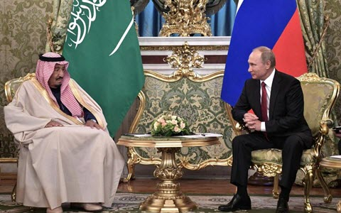 Iran Regime Slammed by Saudi King, on Historic Visit to Russia