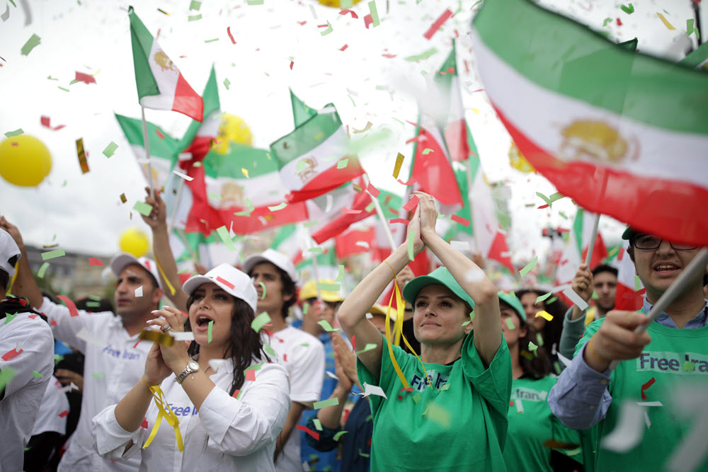 Iran regime's desperate attempts to demonize MEK: forging emails accounts