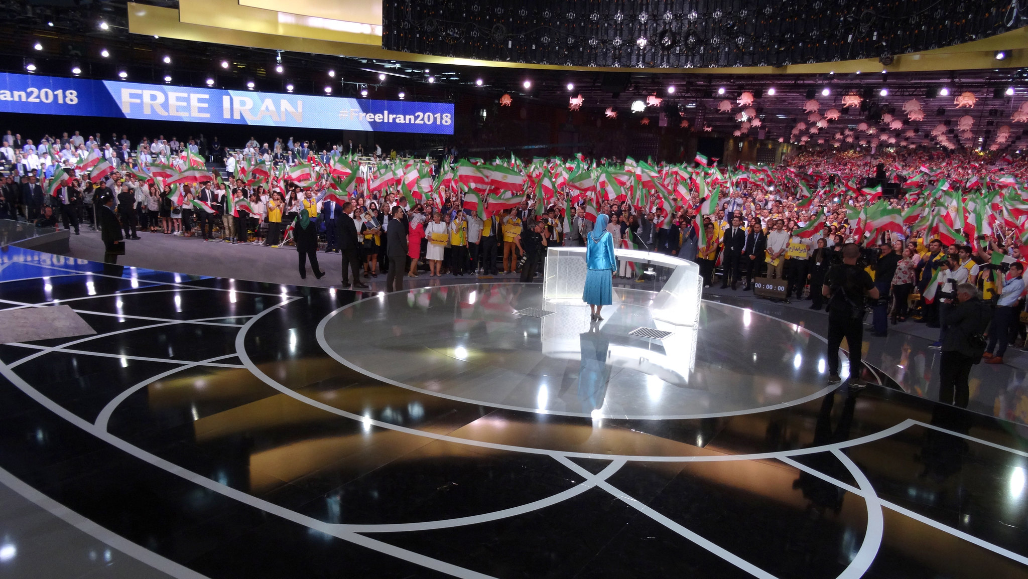 Iran: Bipartisan Group of Prominent U.S. Figures Support the NCRI and the MEK