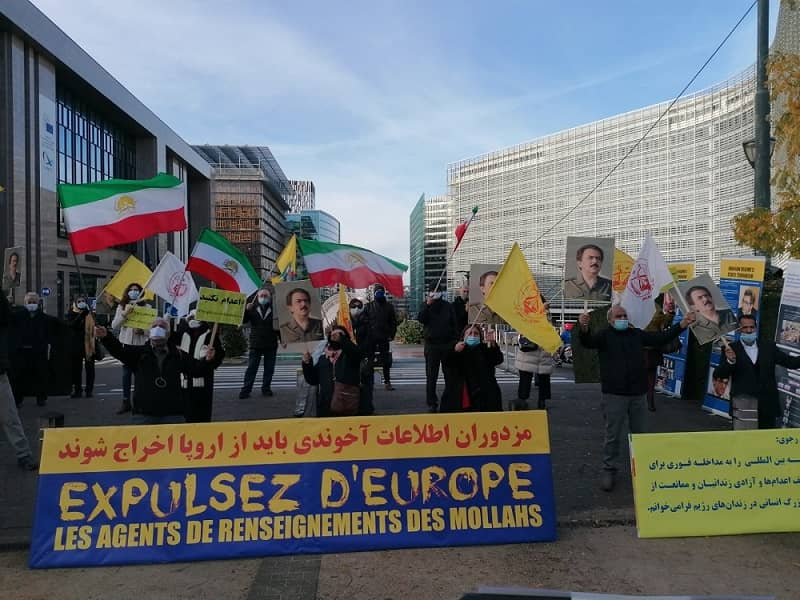 Supporters of the MEK and member of the Iranian diaspora in Brussels hold a rally - December 16, 2020