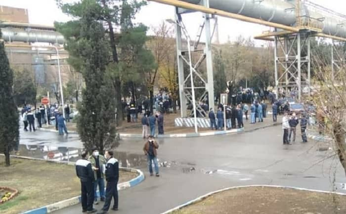 Workers of the Isfahan steel company hold a protest - December 6, 2020