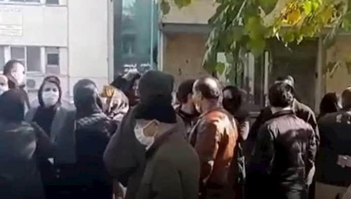 Staff and nurses at Tehran's Dr. Sapir Hospital protest