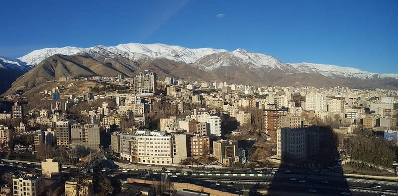 Lingkungan Evin di utara Teheran, ibu kota Iran. Penjara Evin terletak di lingkungan Evin di Teheran, Iran. Penjara tersebut telah menjadi lokasi utama perumahan para tahanan politik Iran sejak 1972