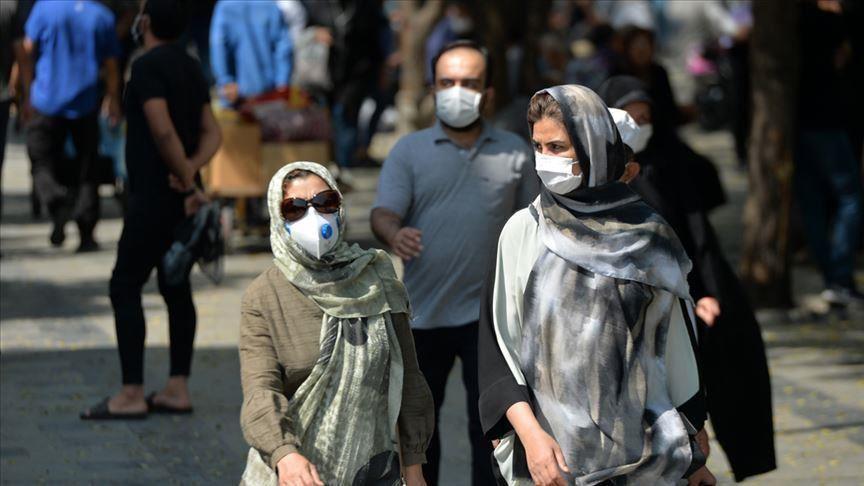 Sementara kemarahan dan kemarahan publik karena melarang pembelian vaksin dari Amerika Serikat, Inggris dan Prancis terus berlanjut, jumlah kematian virus Corona di Iran telah melebihi 205.800.