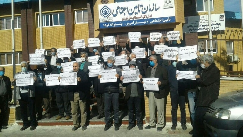 """Iran, rallies in major cities by social security retirees and pensioners with the slogan """"We cry out against injustice"""""""
