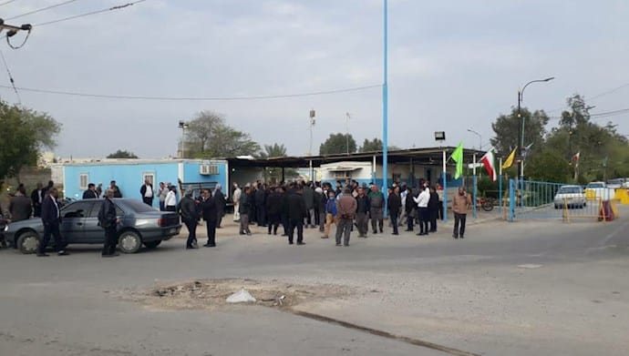 Mahshahr Petrochemical personnel and workers hold a rally - February 8, 2021