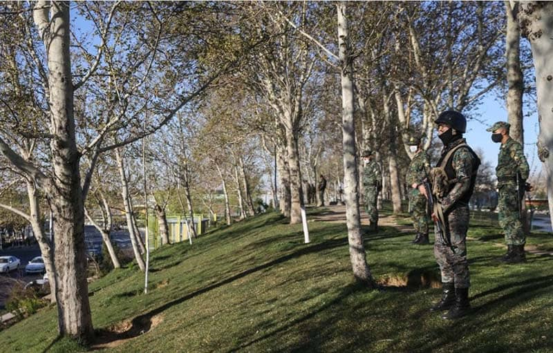 Kepolisian rezim mengadakan manuver pada Malam Tahun Baru Persia 1400 di Teheran