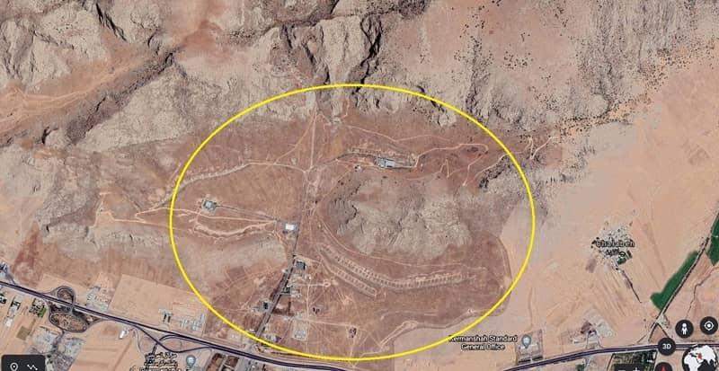 Satellite imagery, Panj Pelleh Site, east of the city of Kermanshah