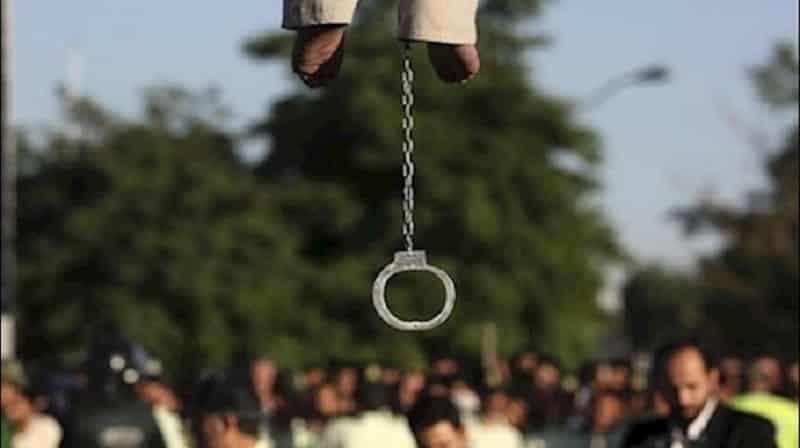 Eksekusi publik di Iran