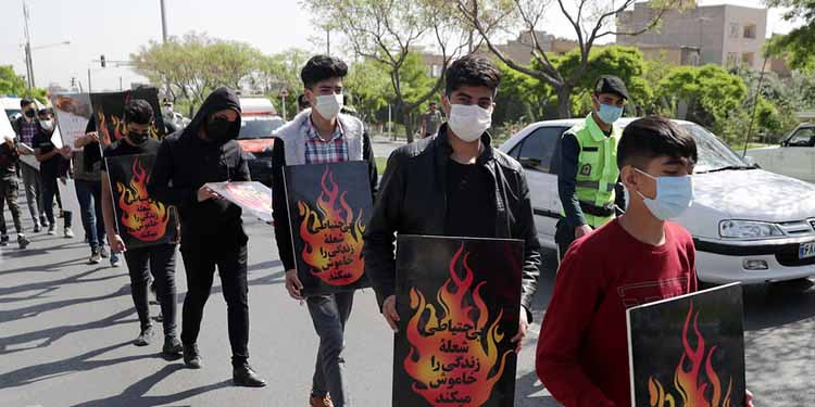 degradation-of-Iranian-youth