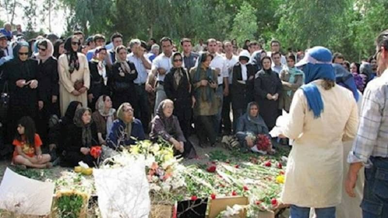 Family members of political prisoners executed during the 1988 massacre in Iran gather at the Khavaran mass grave site near Tehran, capital of Iran [File photo]