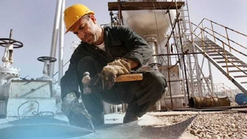 iranian-worker-factory