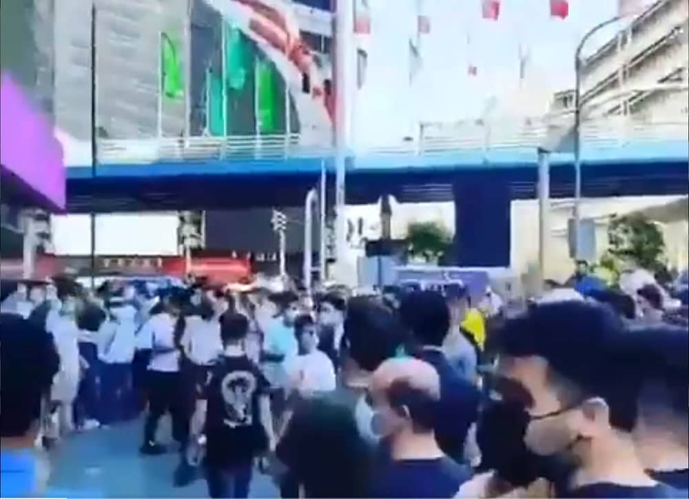 The angry youth and people of Tehran demonstrated in Jomhouri Avenue and other parts of central Tehran