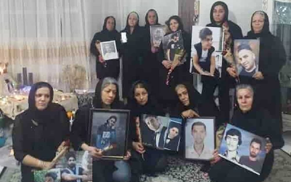 iran-mothers-slain-protesters (1)