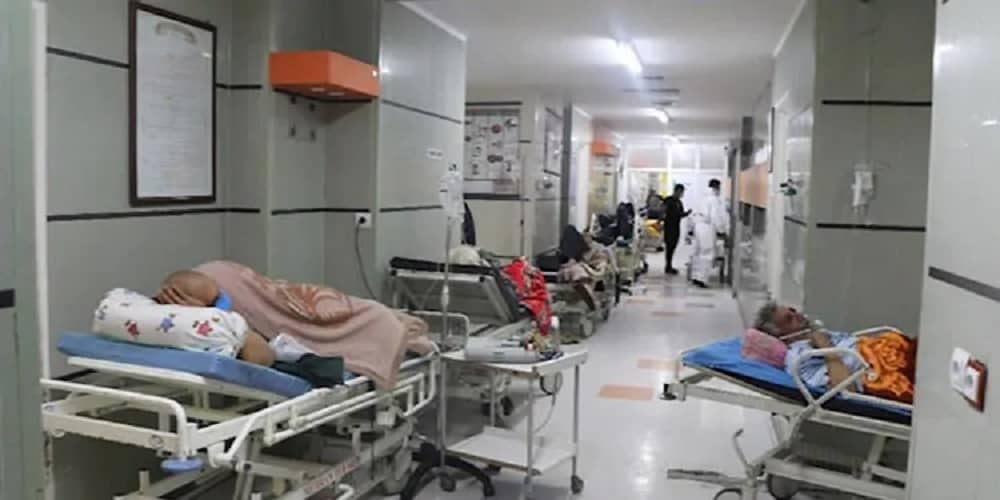 Khameneis-vaccine-ban-leads-to-overcapacity-hospitals-and-cemeteries-in-Iran