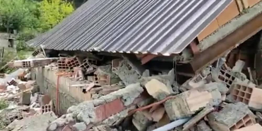 State-forces-demolish-homes-of-three-Iranian-Bahais-in-N-Iran
