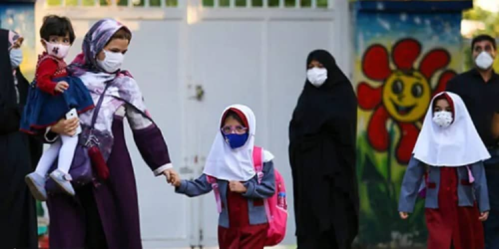 Iranian-mothers-banned-from-receiving-childrens-report-cards