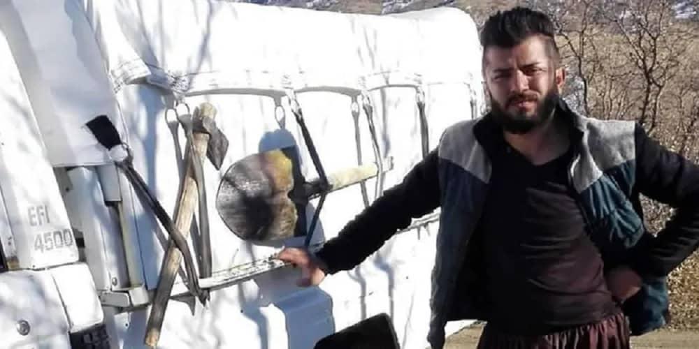 Kurd-border-porter-killed-by-border-police-in-w-Iran