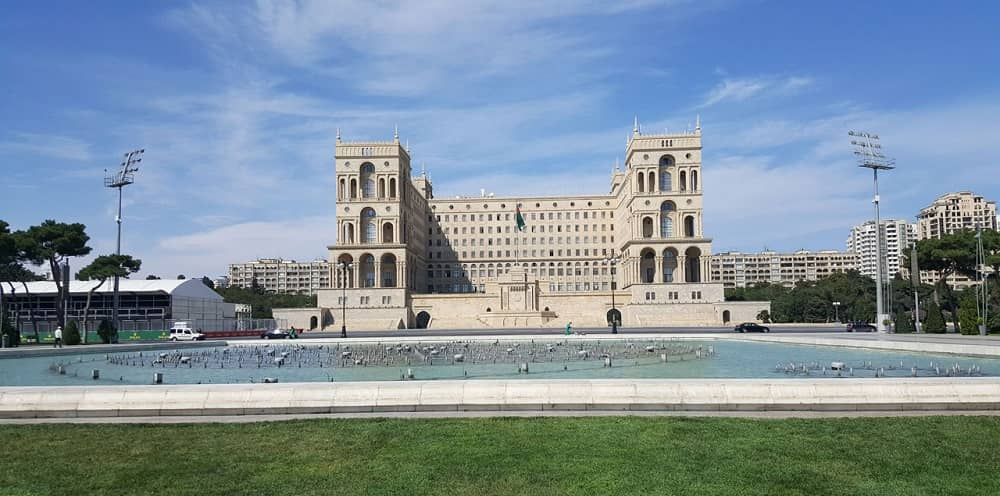 government-house-baku-azarbaijan (1)