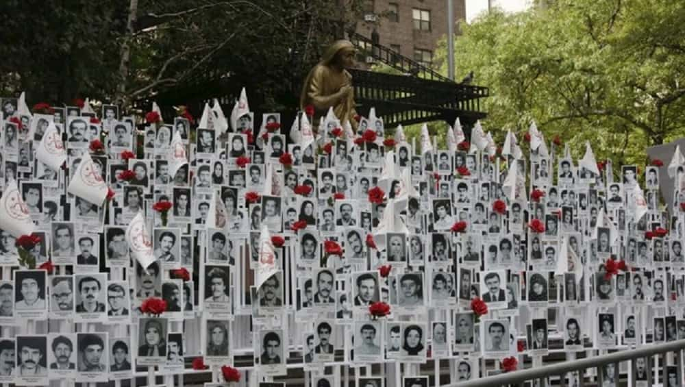iran-photos-massacre1988-victims-min