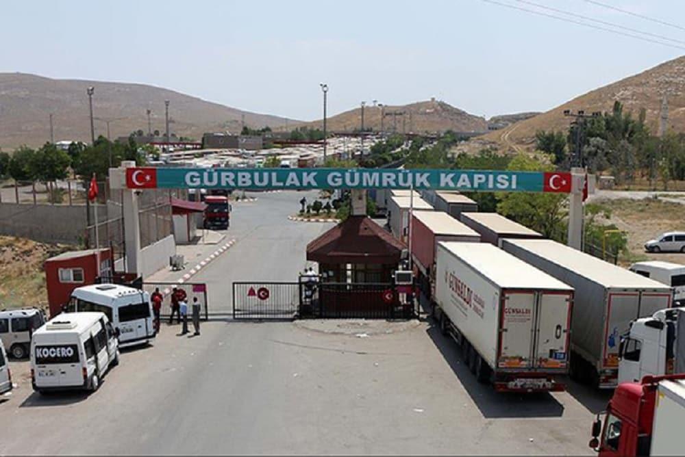 iran-turkey-border-trucks-min