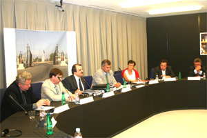 Iran: Euro MPs support PMOI, call for its removal from terror list
