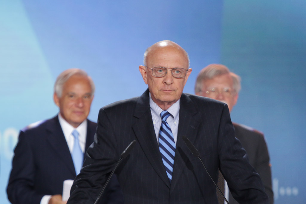 James Woolsey, former director of the CIA: We do not have, in my judgment, a reasonable chance of persuading the ayatollahs to agree with us on any sensible approach toward nuclear weapons. The agreement that is being negotiated is worse than worthless, and will only add to the impetus behind moving toward more and more nuclearization of the Middle East as well as the outside world. We need to stop that