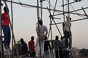 3 men hanged in public in Iran (Karaj) on July 29, 2015