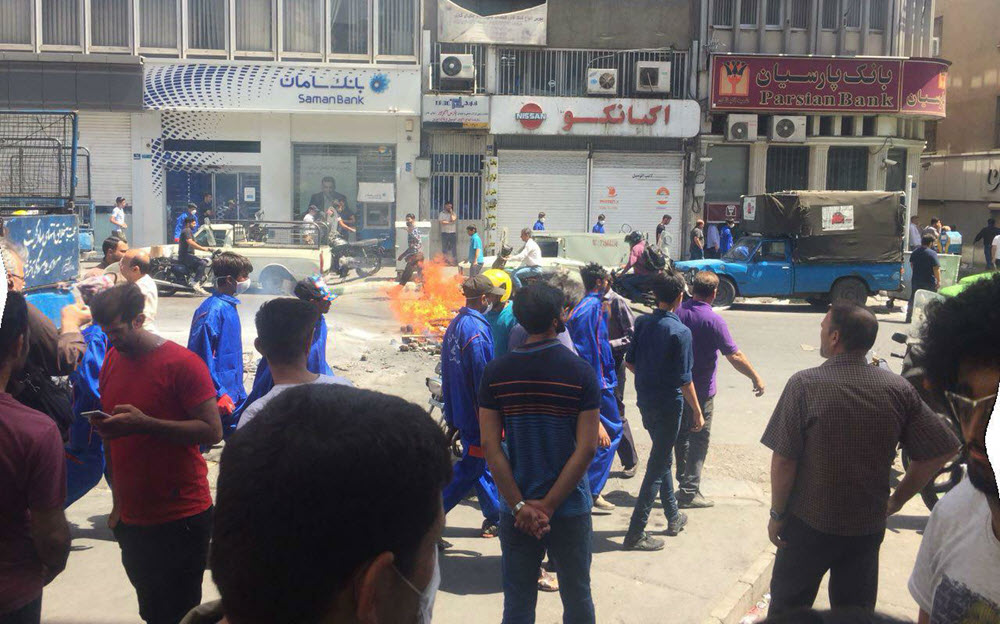 Iran-3rd Day of Strike and Uprising in Tehran