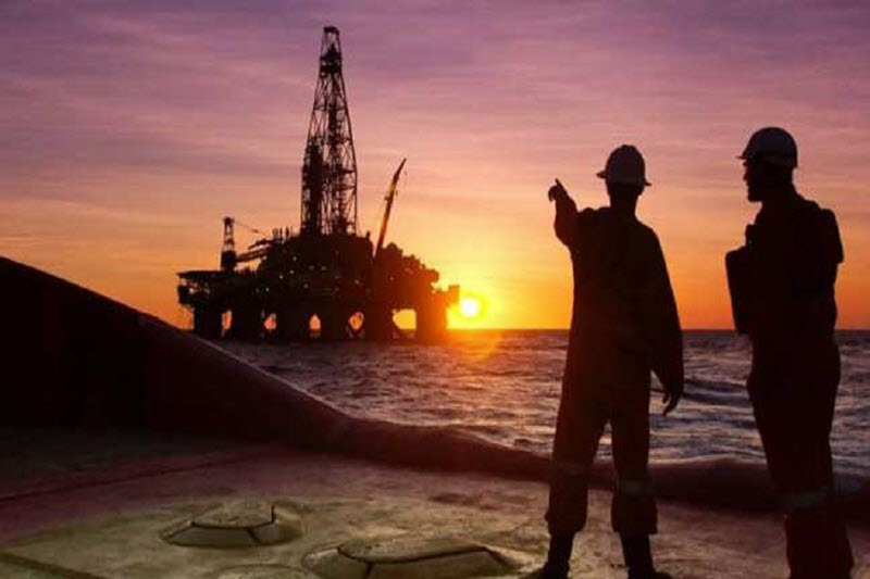 Iran: Regime Fails to Circumvent U.S. Sanctions by Selling Oil to Private Buyers