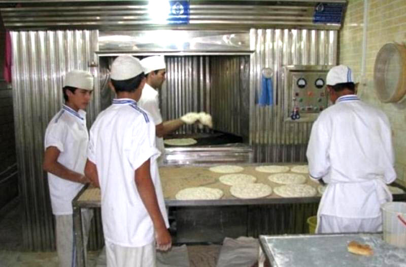 Iranian Bakers in Dezful Stage Protests Over Unpaid Wages
