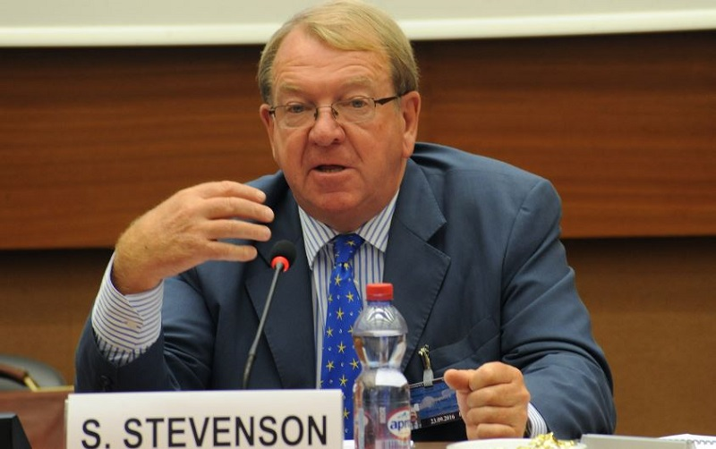 Former European lawmaker Struan Stevenson has called for a new Iran policy by the European Union